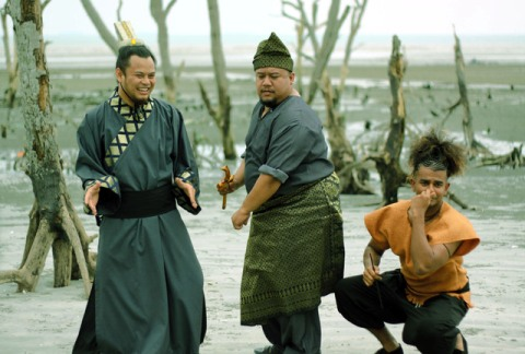 From left Namewee, Afdlin and Reshmonou, having fun on the set.