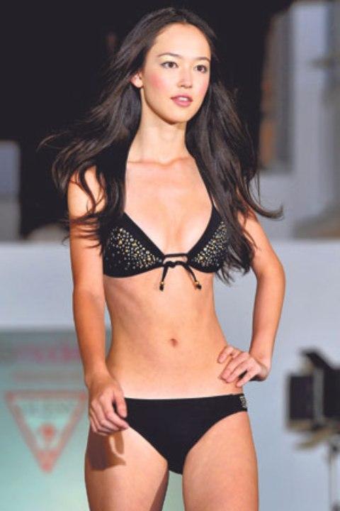 FIONA FUSSI Wins the Elite Model Look 2011 Singapore