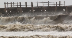 Angry seas at Taman Selera Beach