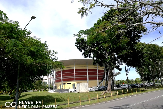 A circulat building