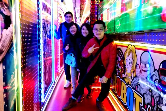 Clarence, Amanda, Melissa Mak (Amanda's mum) and Wen Hong (Amanda's brother) in the passageway