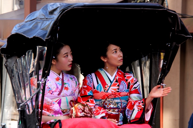 Young male rickshaw pullers are a hit with Japanese women