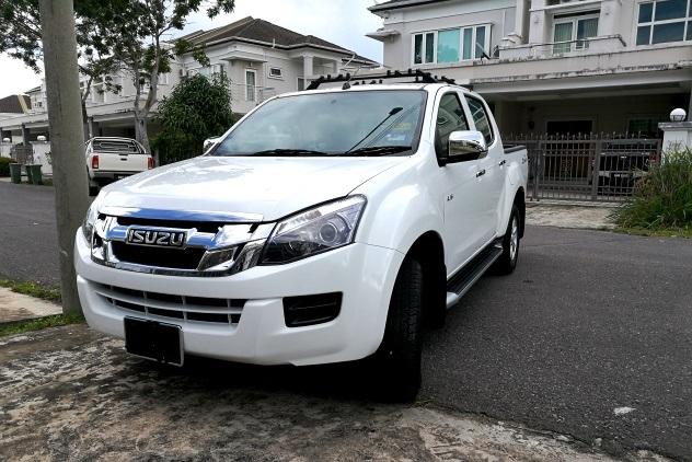 Doria's white Isuzu D-MAX